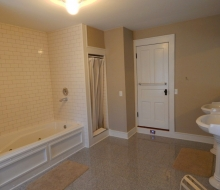 2nd Floor Bathroom#2 with 6' Whirlpool Tub