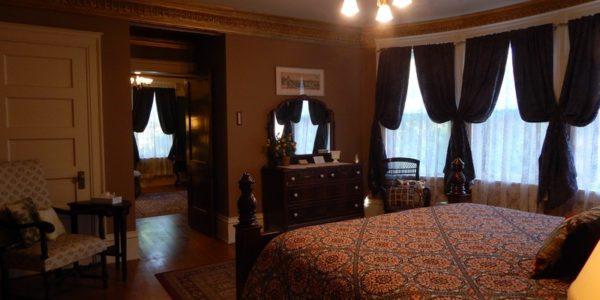 Laurium Inn Rooms